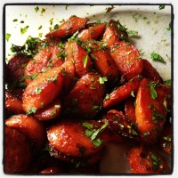 Roasted carrots with mint & balsamic vinegar